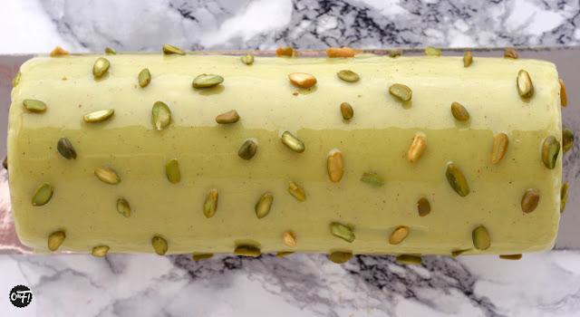Bûche pistache griotte