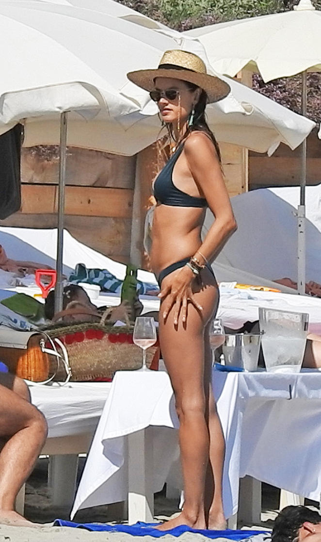 Alessandra Ambrosio Super Hot Bikini Stills