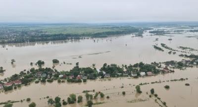 Паводок на западе Украины усиливается