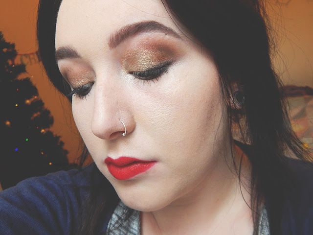 Golden Holiday Makeup || Blogmas