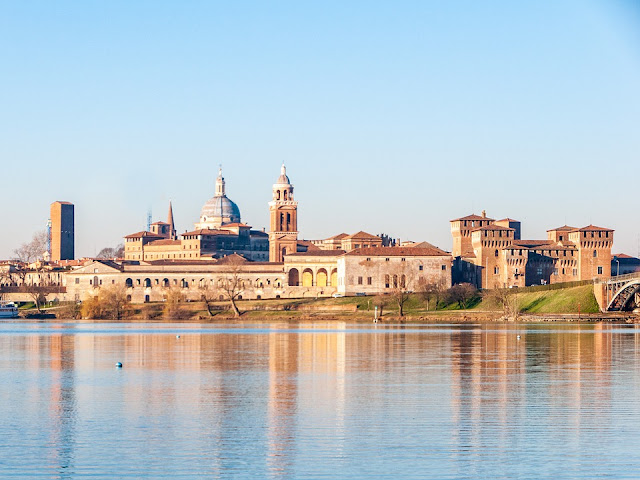 Mantova-fiume Mincio-paesaggio
