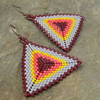 купить яркие украшения из бисера анабель Anabel peyote triangle earrings