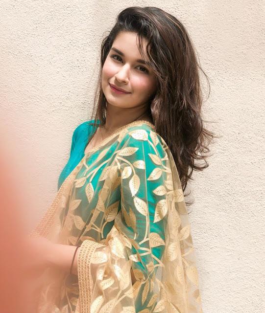 Avneet Kaur Images 29