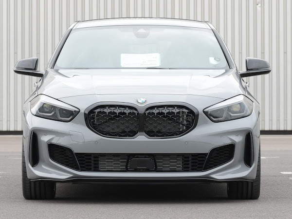 BMW Série 1 Cinza Nardo