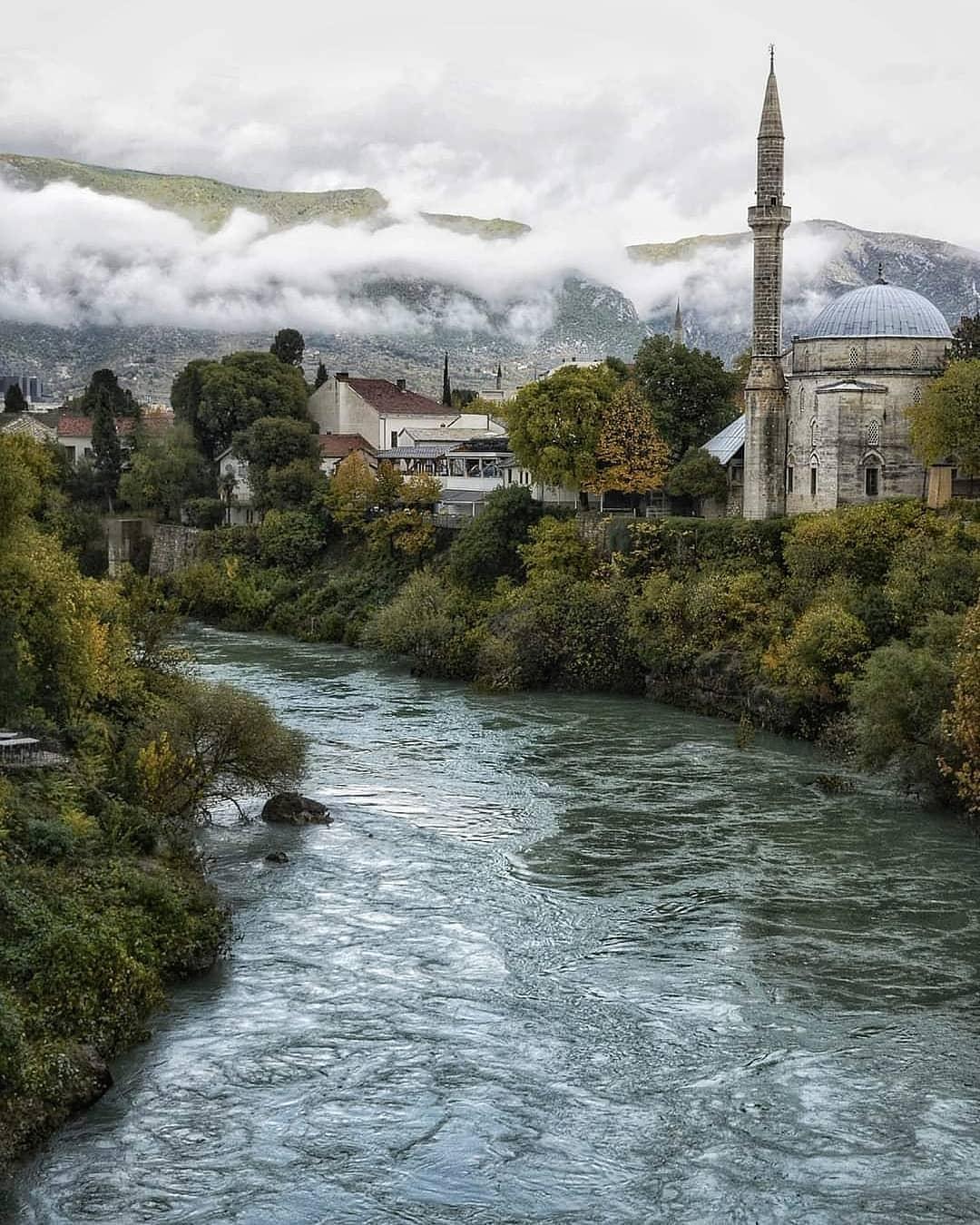 Koski Mehmed Paša Mosque Destinasi Wisata Favorit Bosnia