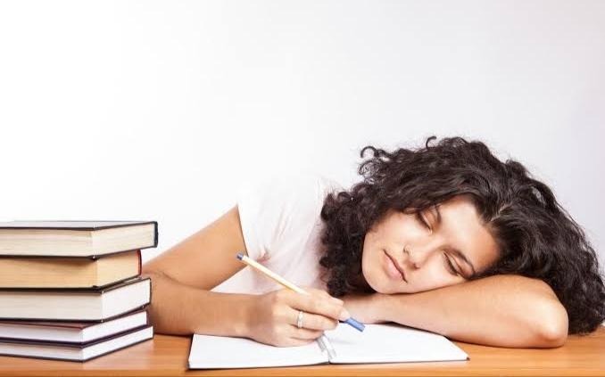 आलस्य कैसे दूर करे tips