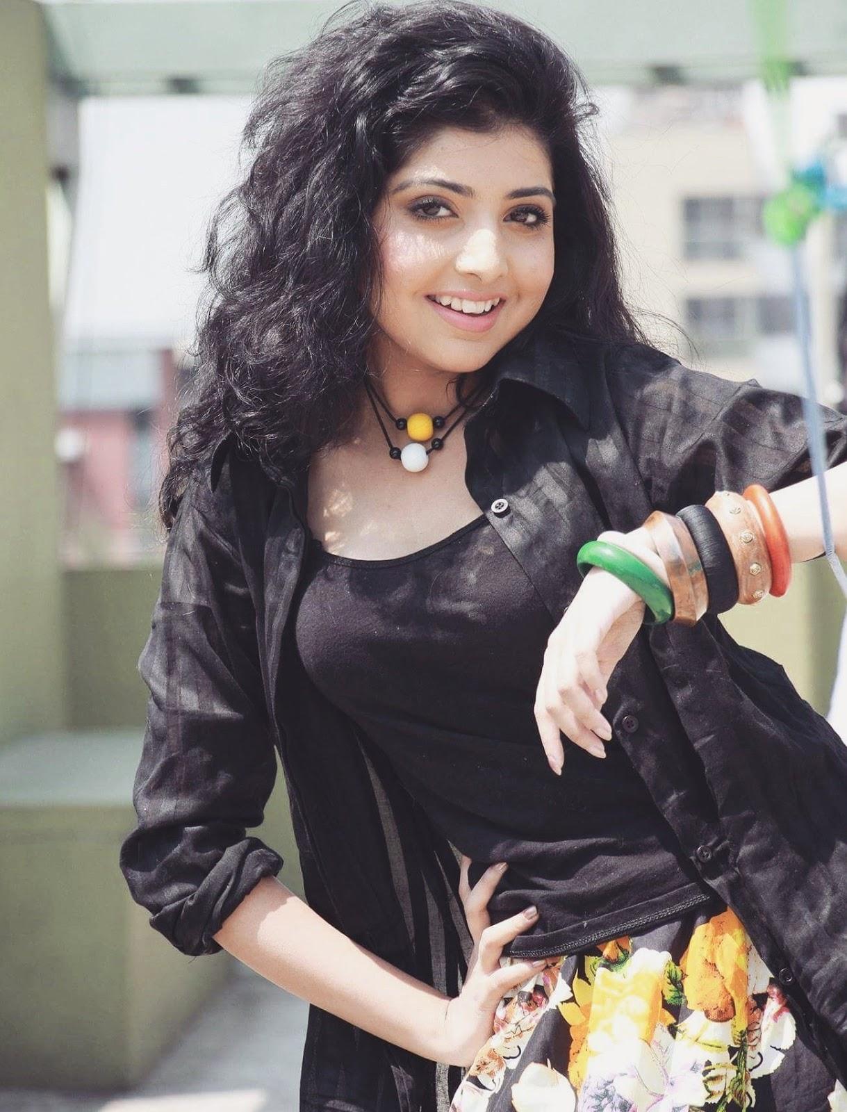 Porshi - Bangladeshi Singer  Photos 19