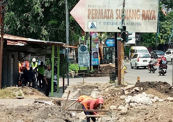 Pemilik Tambal Ban Kapan Pasang Gorong Gorong, Pihak Kontraktor Selesai Plesteran