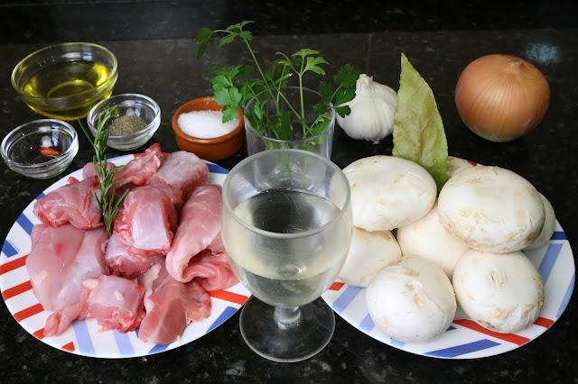 Ingredientes para conejo con champiñones