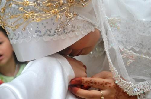 Istri Penuh Berkah Itu Memiliki Tiga Tanda Seperti Ini, Adakah Di Istrimu Salah Satu Tandanya ?