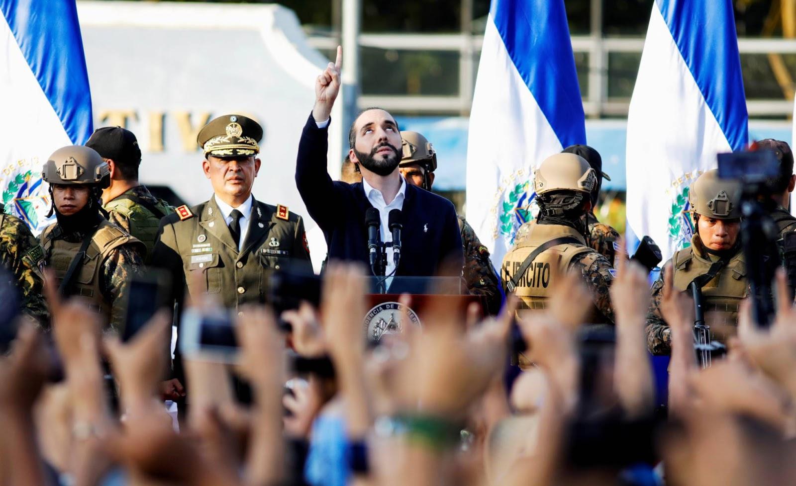 """El Presidente Más """"Cool del Mundo"""" Asalta la Asamblea Legislativa"""