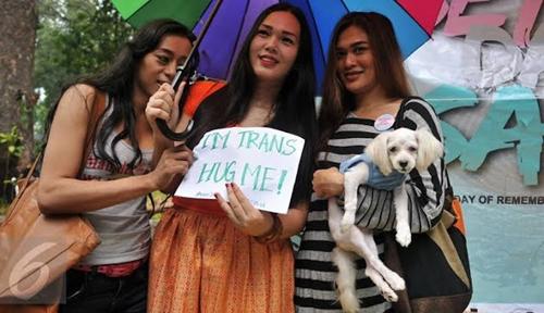 Kemendagri Akan Buatkan e-KTP untuk Transgender