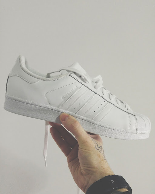 5809629940 Recebi esse modelo de Adidas Superstar Foundation All White da Loja Verse  na semana passada