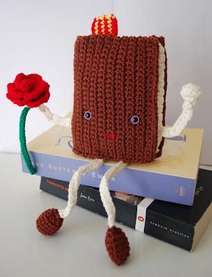 Libro y rosa de ganchillo para Sant Jordi