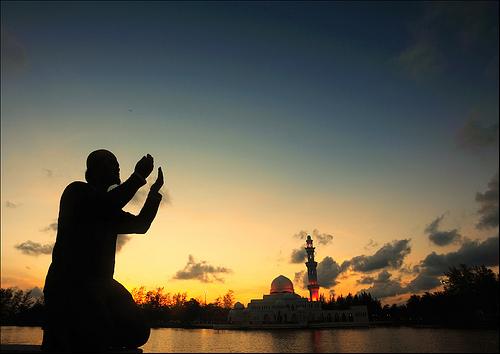 Terlalu Murah Jika Berdoa Cuma Minta Banyak Rizki, Mintalah Sesuatu yang Mahal ini