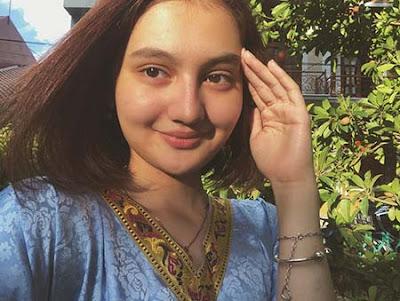 Laura Abbas Jackson Selfi