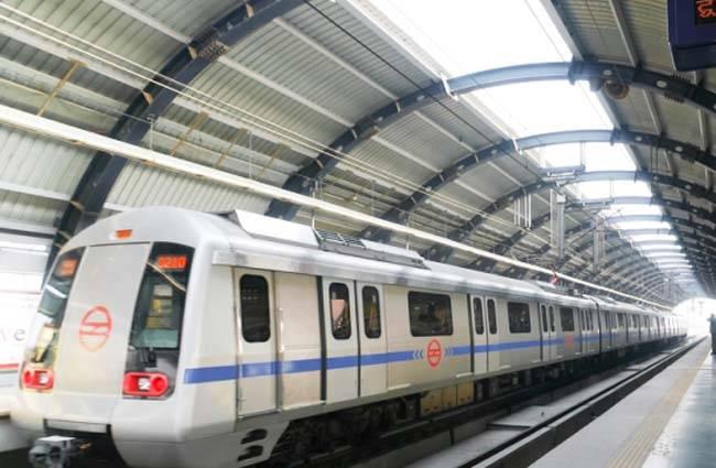 नोएडा अथॉरिटी ने दिया नोएडा मेट्रो को तोहफा