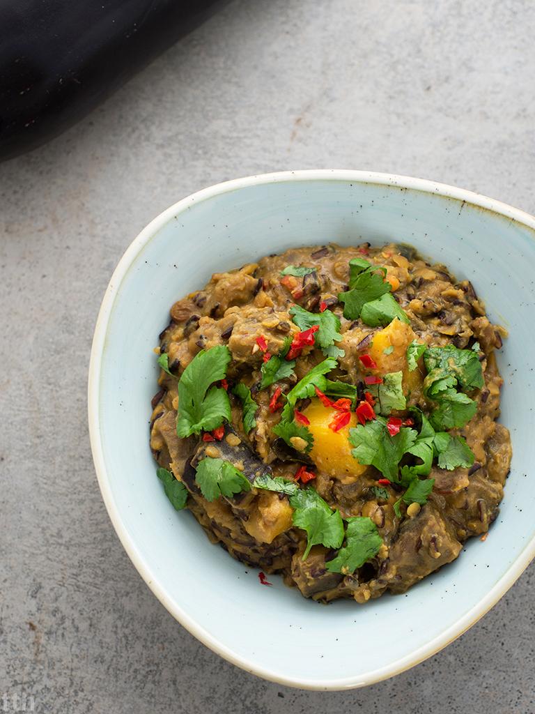 Kokosowy pilaf z czerwona soczewica, bakłazanem i mango - przepis, weganskie, bezglutenowe, roślinny blog kulinarny