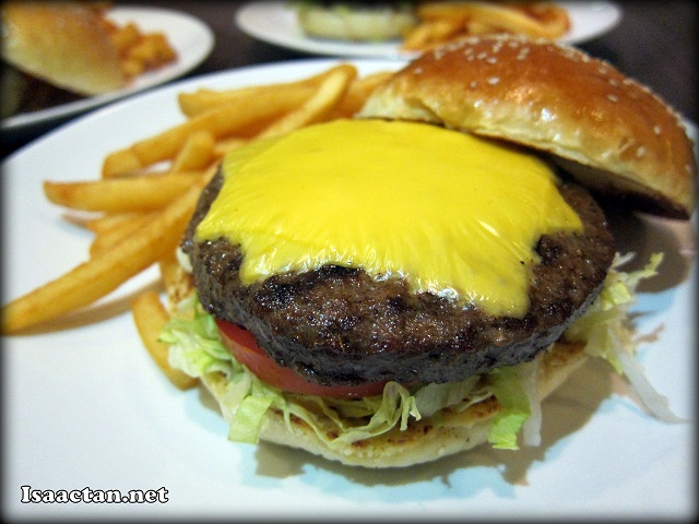 Cheese Burger at Comida Solaris Dutamas