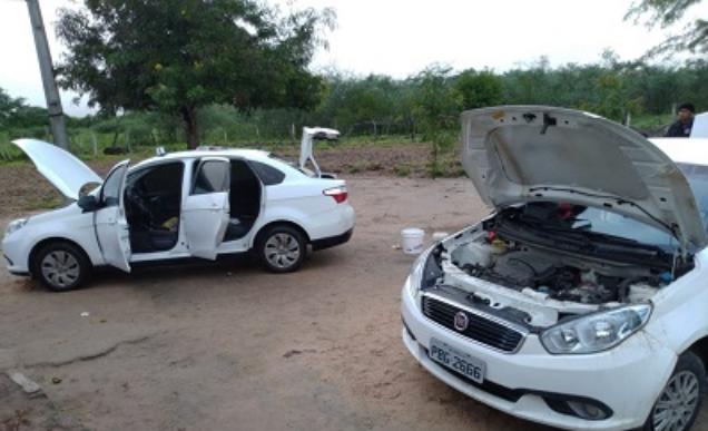 Em Major Izidoro, polícia  recupera dois carros roubados