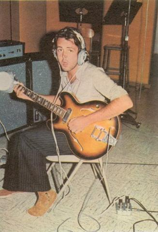 https://i2.wp.com/1.bp.blogspot.com/-MqJueZMhWF4/T2S6HMOGjAI/AAAAAAAADMU/YsS63Rq15W4/s1600/paul-mccartney-albums-ram-sessions-71.jpg?w=200