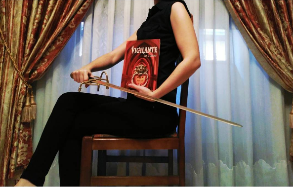 reseña libro fantasía La Vigilante Ana L Román