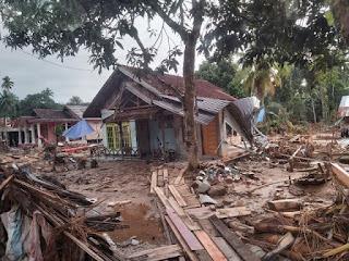 Sisa banjir besar di Hantakan ruliretno.com