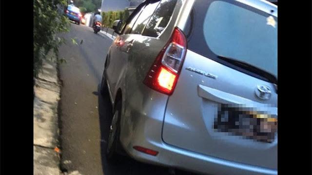Naik Taksi Online, Penumpang ini Kaget Sopir Maki Kata-Kata Kotor dan Bawa.......