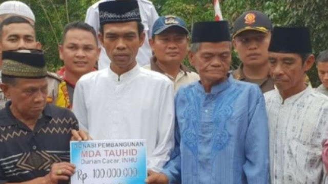 Ustaz Abdul Somad Dikirimi Rp100 Juta oleh Pemfitnah Topi Tauhid