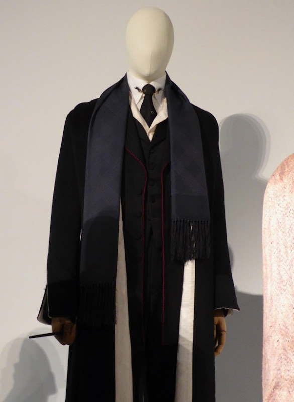 Colin Farrell Fantastic Beasts Percival Graves film costume