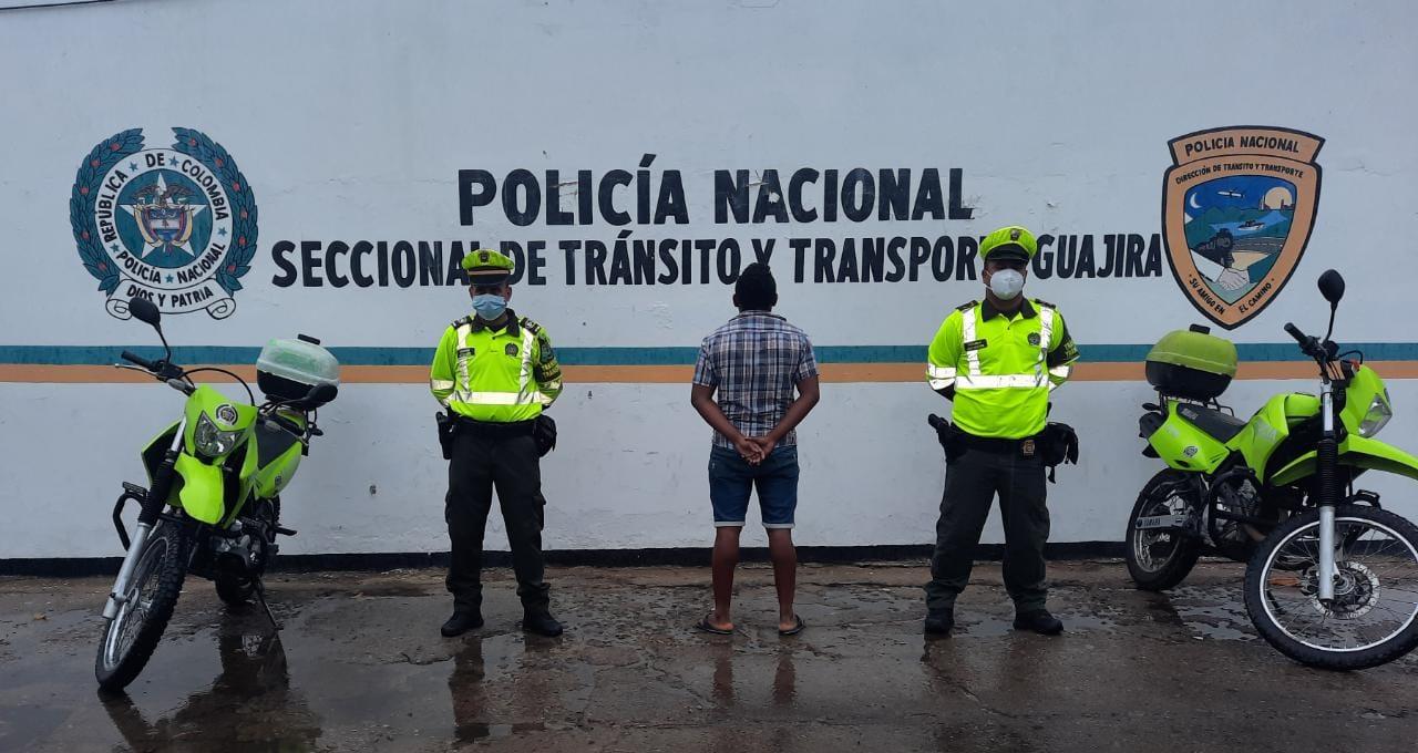 https://www.notasrosas.com/Setra efectúa tres capturas en vías de La Guajira, por diferentes delitos