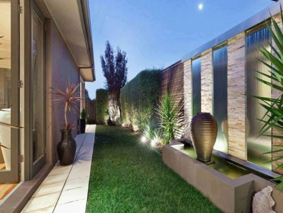 Taman Samping Rumah minimalis 1 lantai
