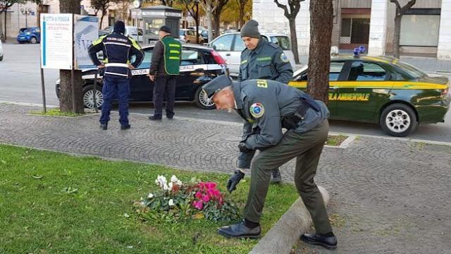Sradica fiori in un giardino pubblico. La Polizia Locale di Foggia identifica donna e la sanziona