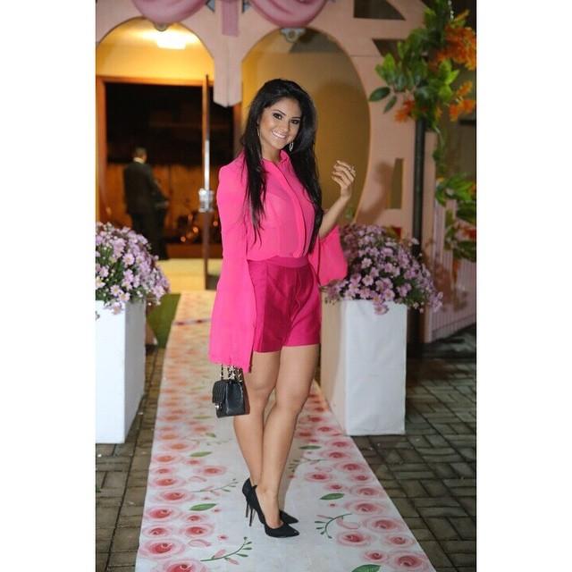Achegue-se! Look de diva: Shorts com Mileide Mihaile look pink