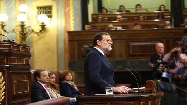 Rajoy denuncia crisis institucional en Cataluña ante el Congreso español