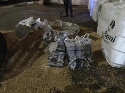 Mais de 200 kg de cocaína são apreendidos entre carga de soja no porto de Ilhéus