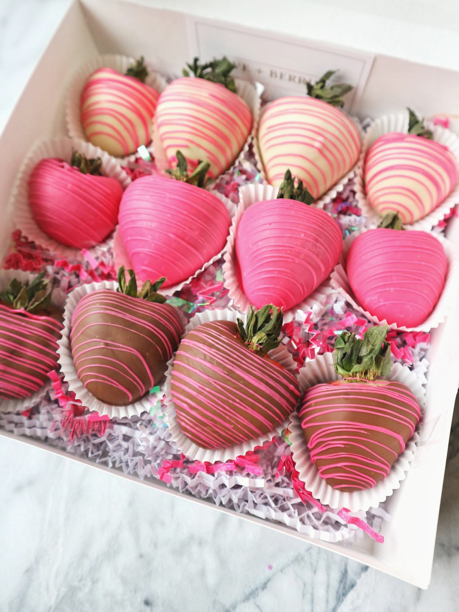 chocolate covered strawberries, kingston holiday foodie gift guide