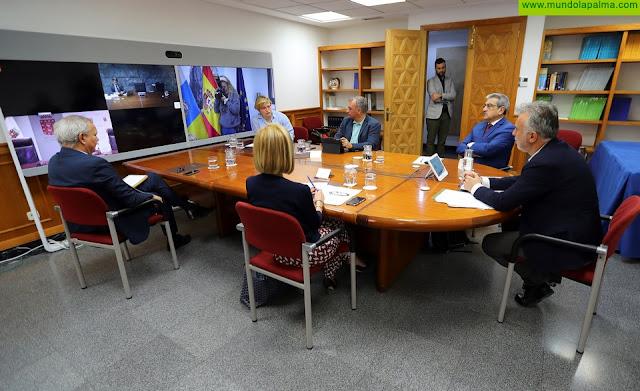 El presidente de Canarias aborda con los portavoces parlamentarios las medidas económicas que ayuden a paliar los efectos del COVID-19