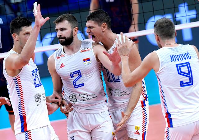 Sérvia comemora passagem para a semifinal do Campeonato Europeu de Vôlei