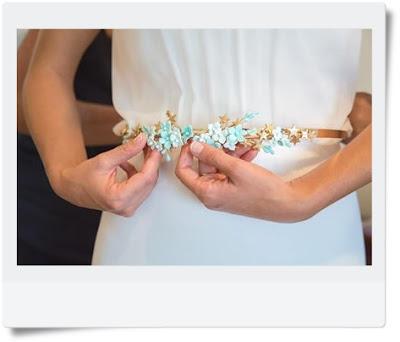 cinturon con flores porcelana