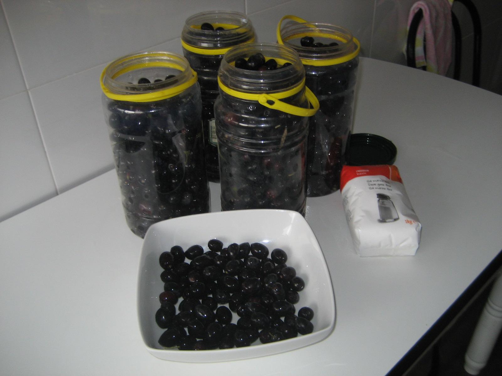 como preparar aceitunas negras en agua