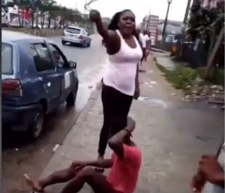 /2018/09/shocking-mad-man-beaten-today-for-picking-used-condoms-in-portharcourt-watch-video.html