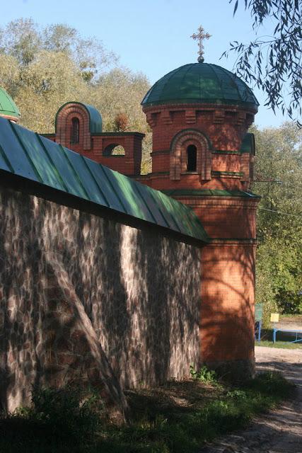 Голосеевская пустынь (Свято-Покровский монастырь), Киев