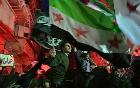 Regeringsanhangare samlas pa gatorna i iran