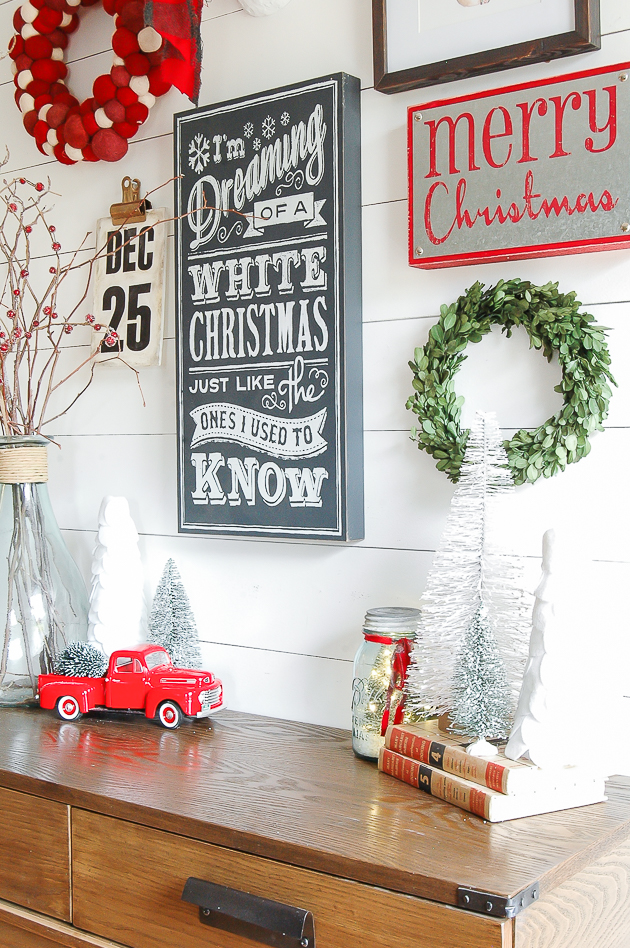 I'm dreaming of a white christmas chalkboard sign