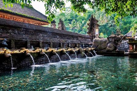 Pura Tirta Empul, Kuil Kuno Eksotis di Tampaksiring Bali