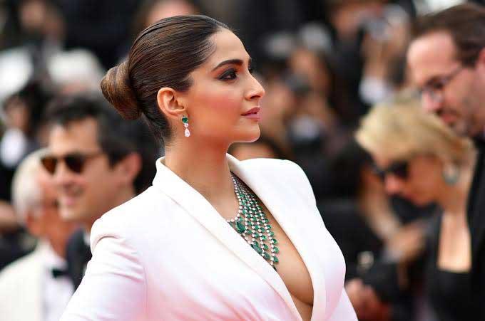 Sonam Kapoor Hot Sexy Cleavage Navel Bikini Pictures
