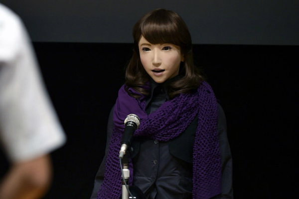 روبوت في اليابان لتقديم نشرات الأخبار!