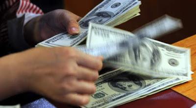 dollar-AFP-2009.jpg.jpg