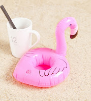 http://fr.shein.com/Flamingo-Inflatable-Drink-Holder-p-365955-cat-1916.html